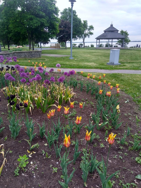 Pine Beach Park | park | Dorval, QC H9S, Canada | 5146334040 OR +1 514-633-4040