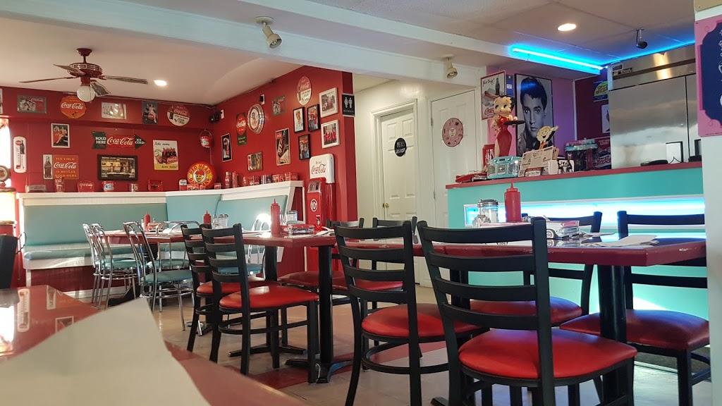 Rockn Rondas Diner & Pizzeria   restaurant   3330 Main St, Avonmore, ON K0C 1C0, Canada   6133462857 OR +1 613-346-2857