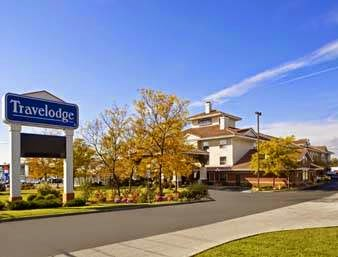 Travelodge by Wyndham Oshawa Whitby | lodging | 940 Champlain Ave, Oshawa, ON L1J 7A6, Canada | 9054369500 OR +1 905-436-9500