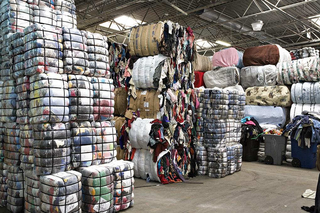 Ballots de vêtements tex fab (grossiste friperie pour exportation)   clothing store   780 Rue Georges-Cros, Granby, QC J2J 1N2, Canada   4507776342 OR +1 450-777-6342