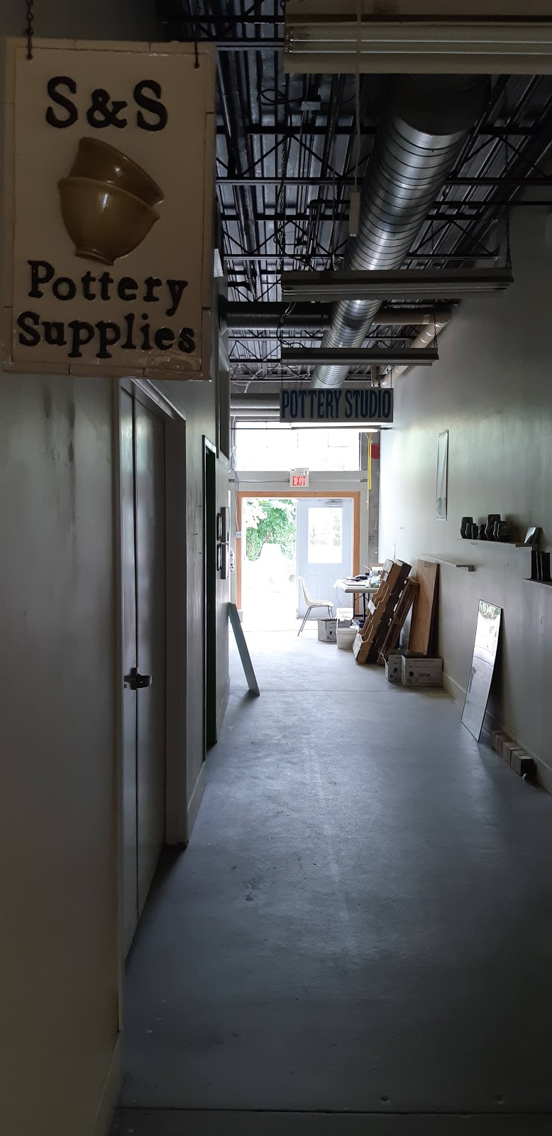 S & S Pottery Supplies | store | 141 Whitney Pl, Kitchener, ON N2G 2X8, Canada | 5197434252 OR +1 519-743-4252