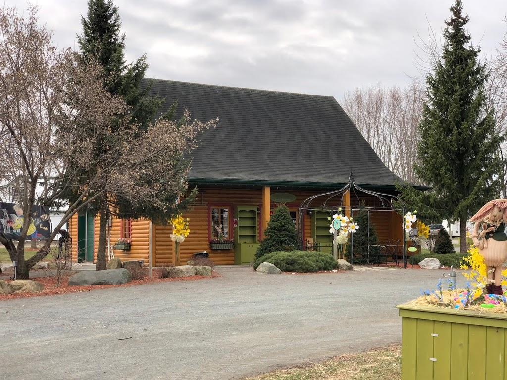 Verger Champêtre - Gîte & compagnie | cafe | 2300 Rue Cowie, Granby, QC J2J 0H4, Canada | 4503795155 OR +1 450-379-5155