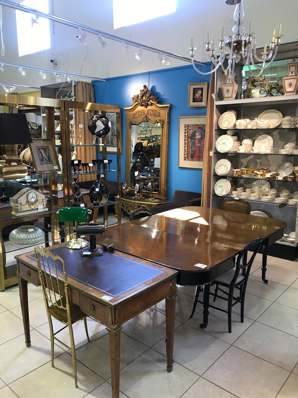 Around The Block | furniture store | 150 Lesmill Rd, North York, ON M3B 2T5, Canada | 4165461760 OR +1 416-546-1760