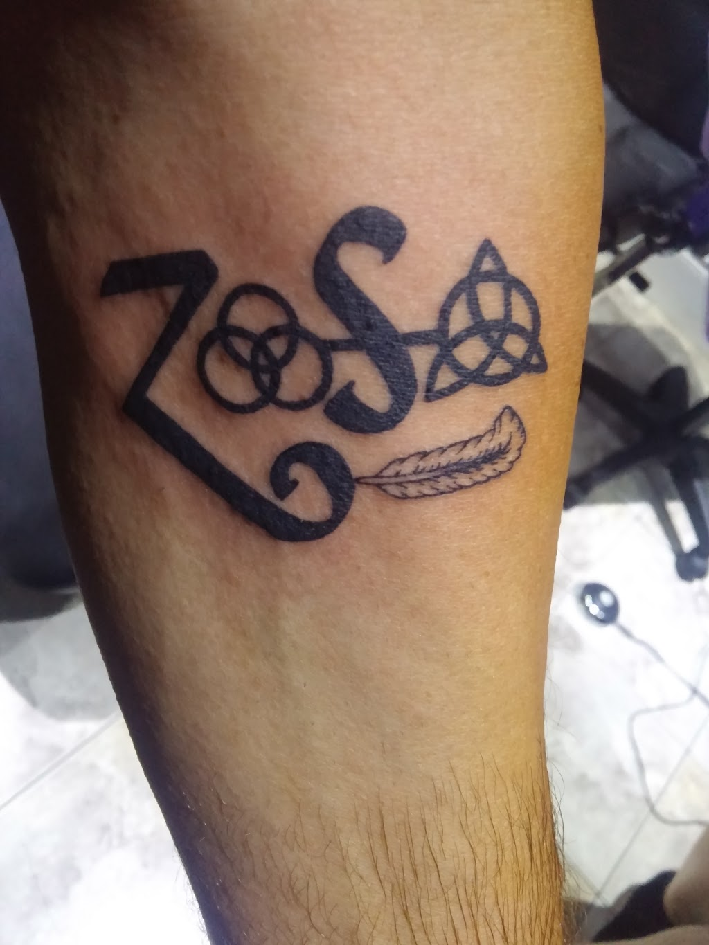 Kryptonian Ink   store   428 Concession St, Hamilton, ON L9A 1B9, Canada   9055226993 OR +1 905-522-6993