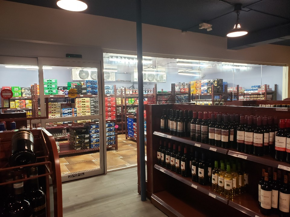 Beaver Liquor & Spirits   store   5024 46 Ave, Tofield, AB T0B 4J0, Canada   7806620002 OR +1 780-662-0002