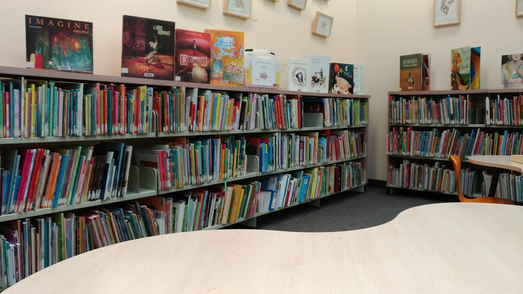 Library Marius-Barbeau | library | 1245 Montée du Moulin, Laval, QC H7A 3V6, Canada | 4506624005 OR +1 450-662-4005