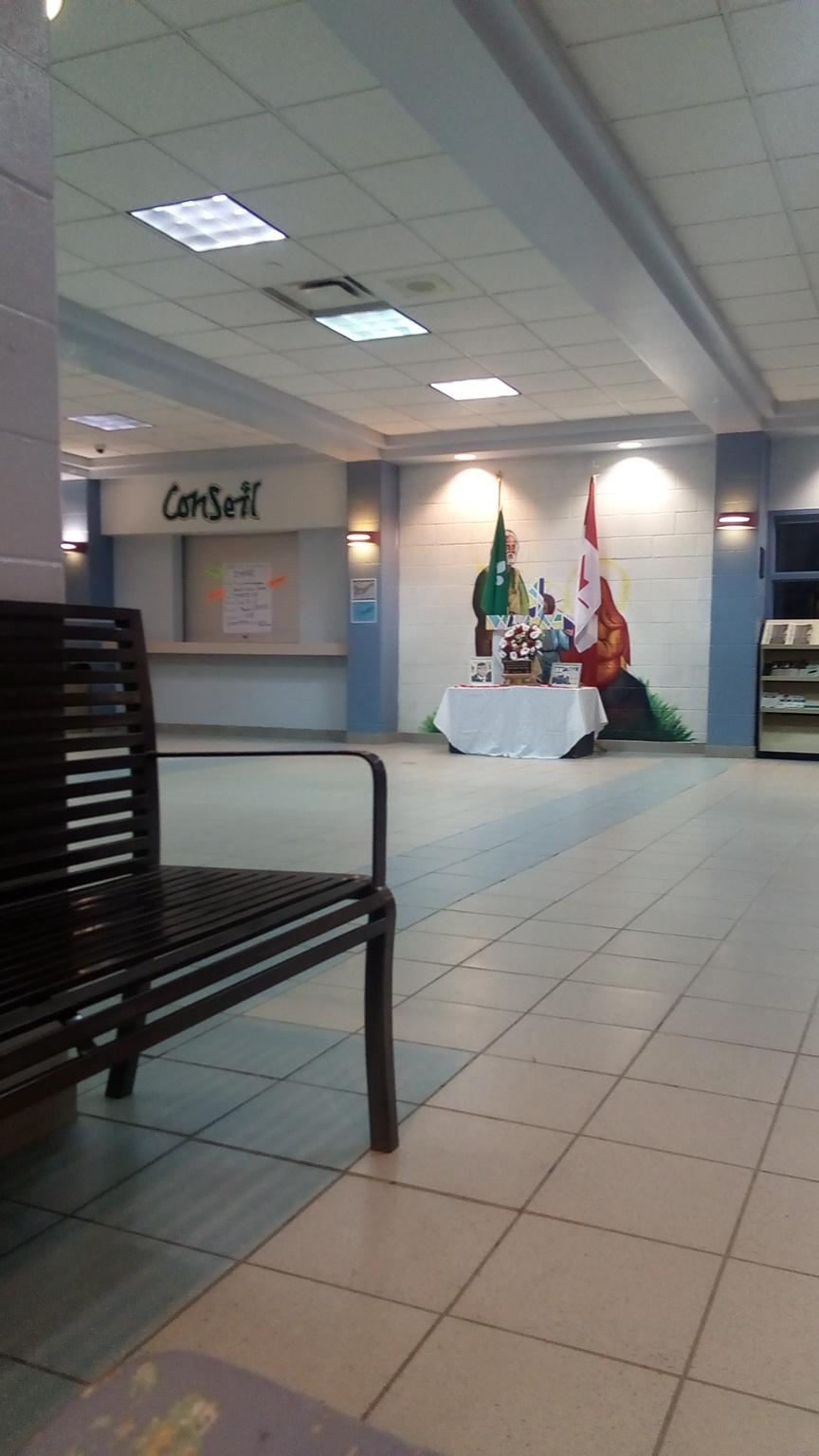 École secondaire catholique Sainte-Famille | school | 1780 Meadowvale Blvd, Mississauga, ON L5N 7K8, Canada | 9058140318 OR +1 905-814-0318