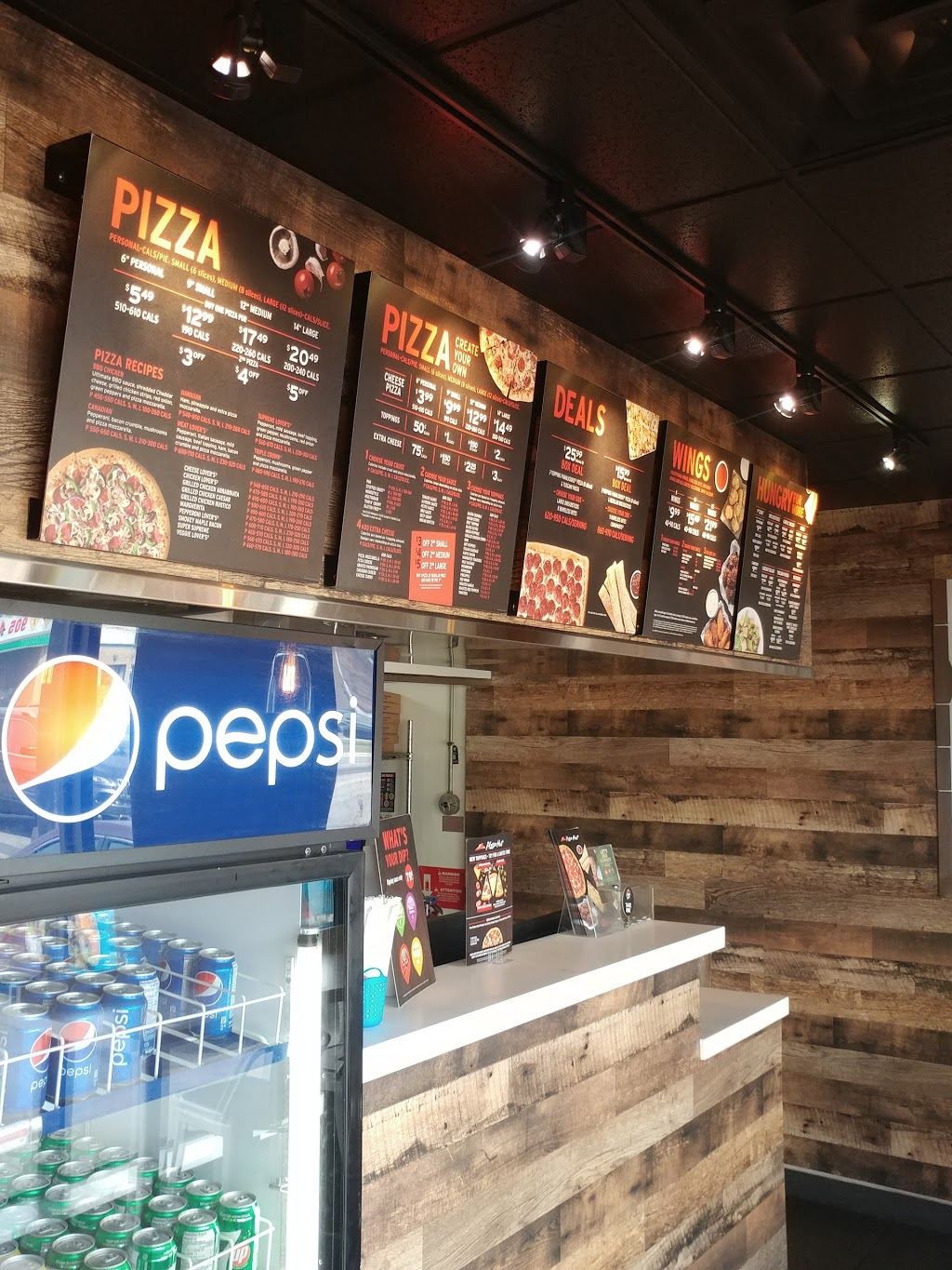 Pizza Hut | meal delivery | Eastway Plaza, 633 King St E Unit 5, Oshawa, ON L1H 1G3, Canada | 9057217525 OR +1 905-721-7525