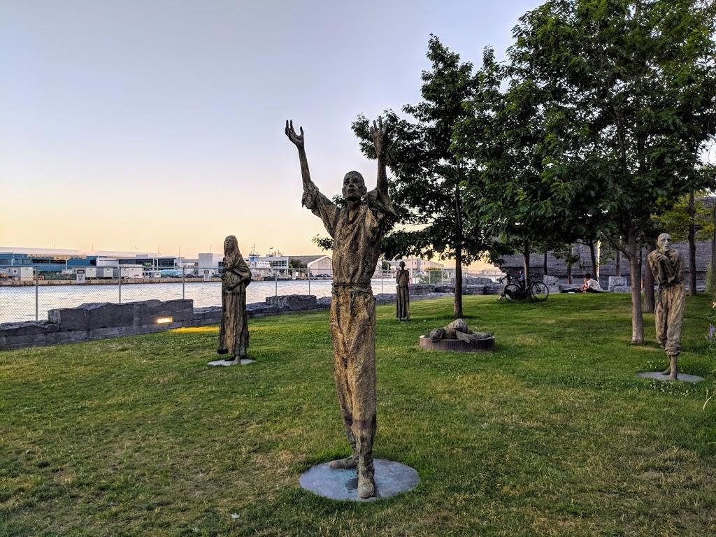 Ireland Park | park | Queens Quay W, Toronto, ON M5V 3G3, Canada | 4166016906 OR +1 416-601-6906