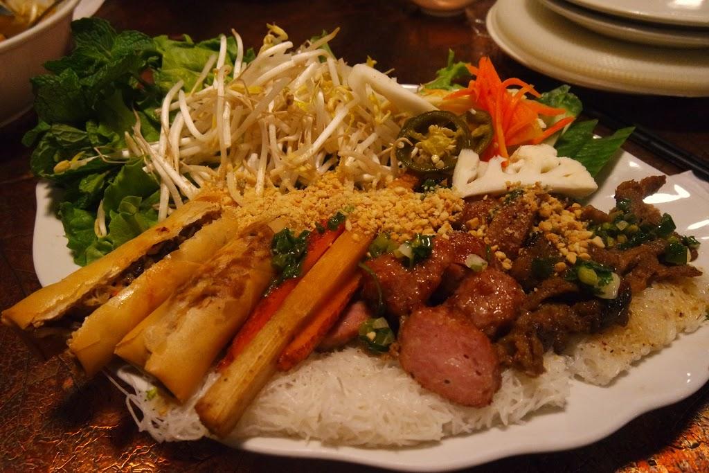 Pho Kim Tuong | restaurant | 856 Ellice Ave, Winnipeg, MB R3G 0C4, Canada | 2046618888 OR +1 204-661-8888