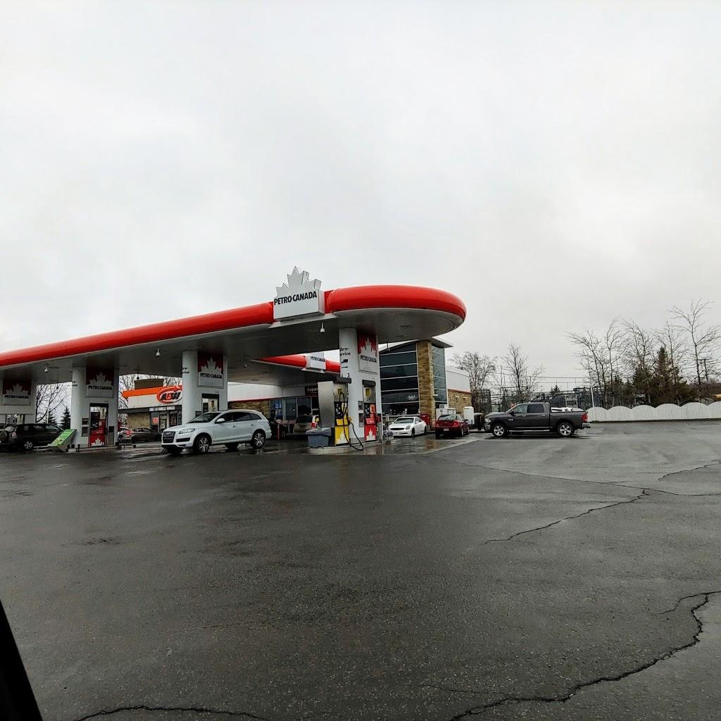 Petro-Canada | car wash | 2525 Boulevard de la Grande-Allée, Boisbriand, QC J7H 1E3, Canada | 4504304475 OR +1 450-430-4475
