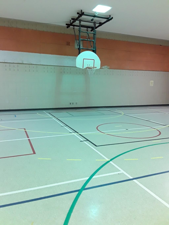 École élémentaire catholique Terre-des-Jeunes   school   1303 Fellows Rd, Ottawa, ON K2C 2V8, Canada   6138202121 OR +1 613-820-2121