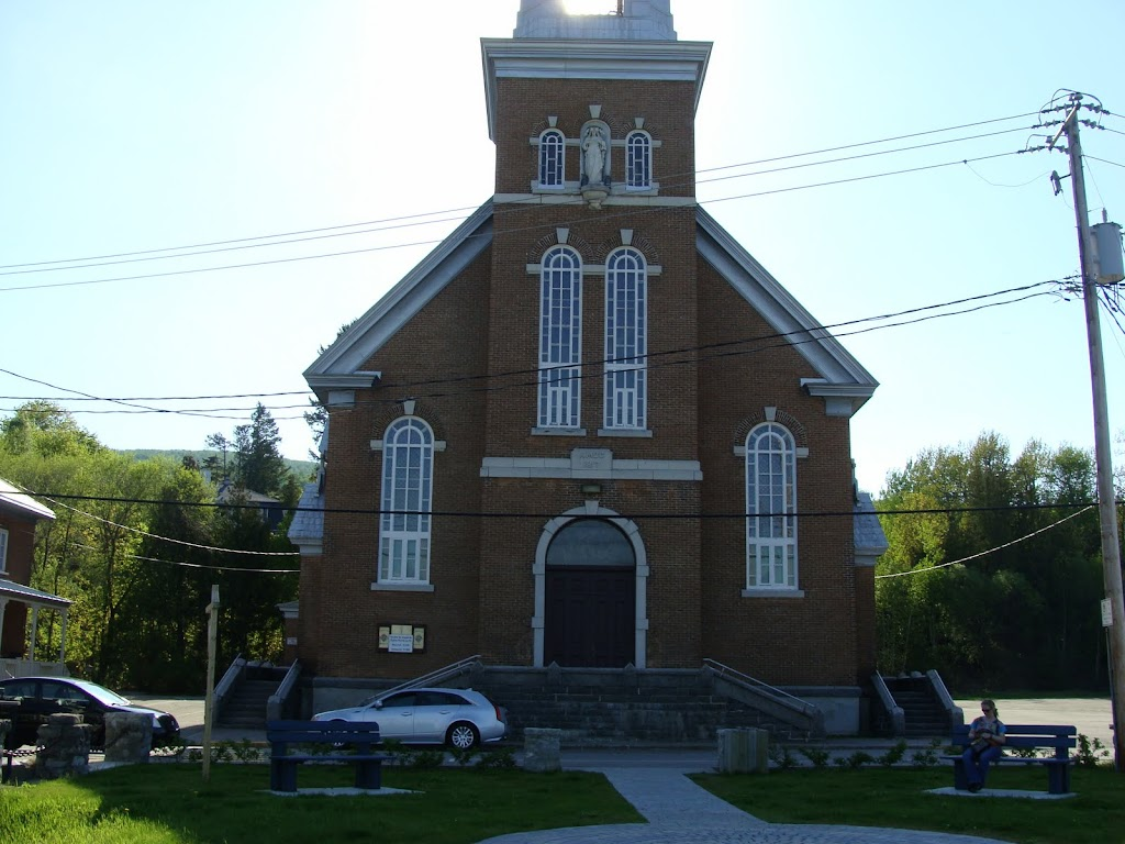 Fabrique De Pointe-Au-Pic | church | 605 Rue Richelieu, La Malbaie, QC G5A 2X4, Canada | 4186652805 OR +1 418-665-2805