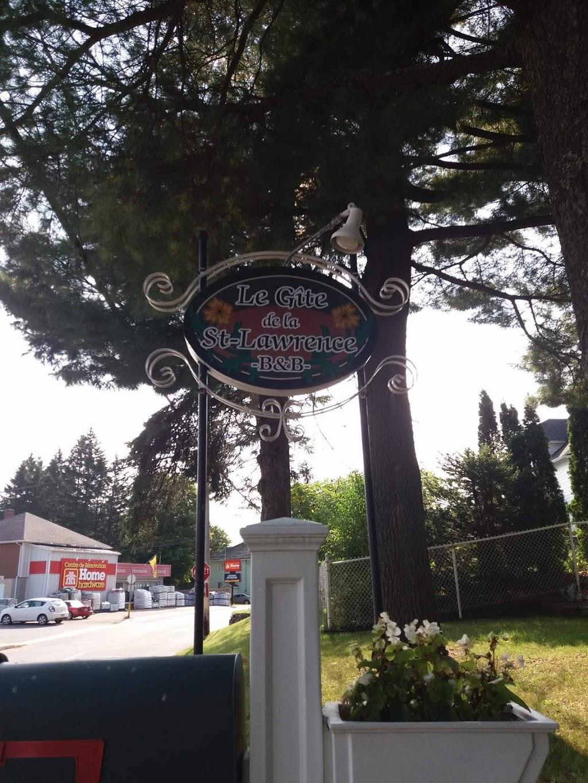 Le Gîte de la St-Lawrence   lodging   91 Rue Saint Olivier, Saint-Alexis-des-Monts, QC J0K 1V0, Canada   8192653351 OR +1 819-265-3351