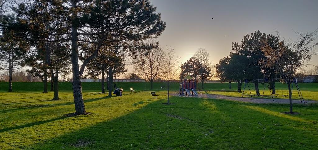 Farquharson Park | park | 1Y7, 250 Pitfield Rd, Scarborough, ON M1S 1Y7, Canada