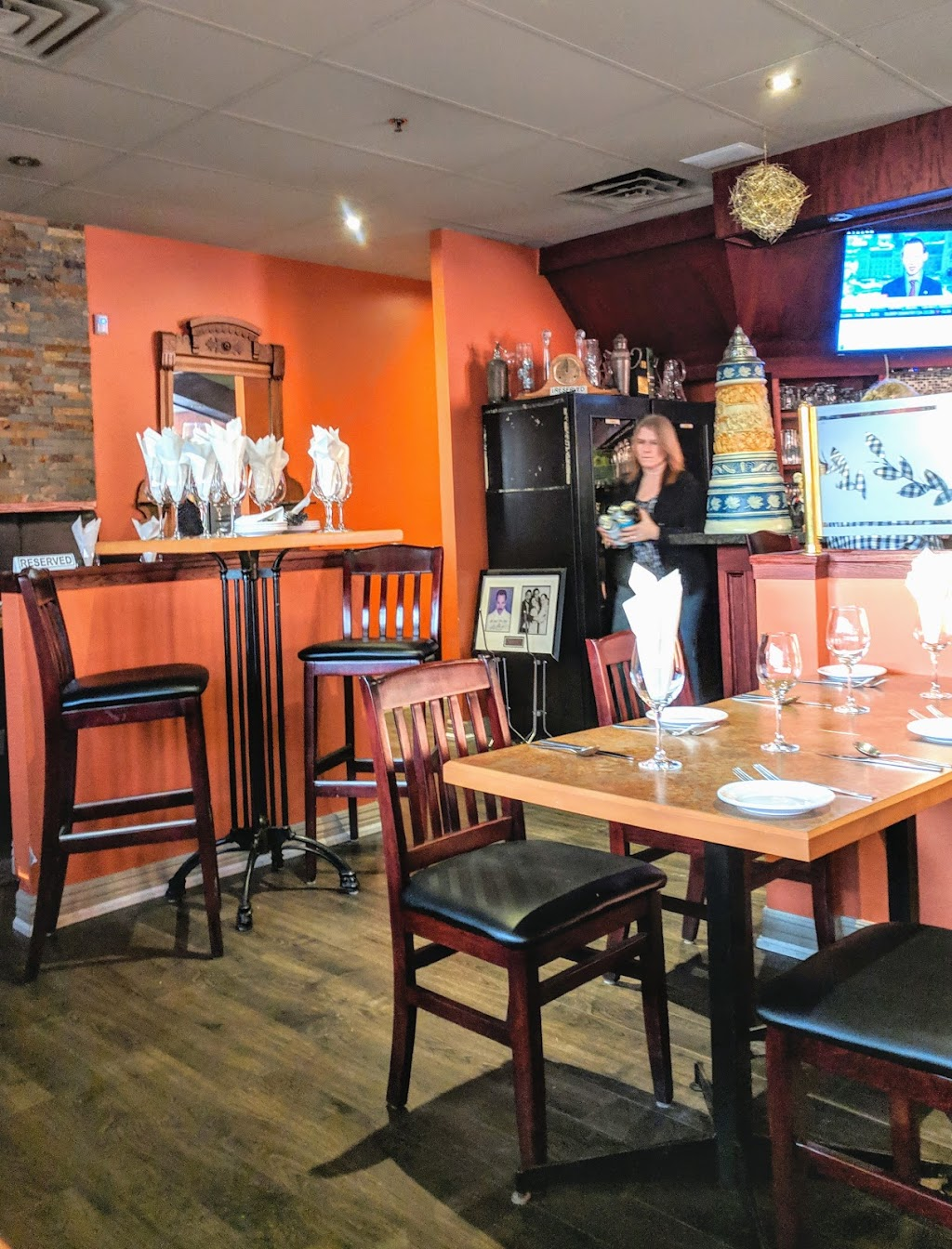 Olivers Gone Italian | restaurant | 6155 Tomken Rd #1, Mississauga, ON L5T 1X3, Canada | 9055642537 OR +1 905-564-2537