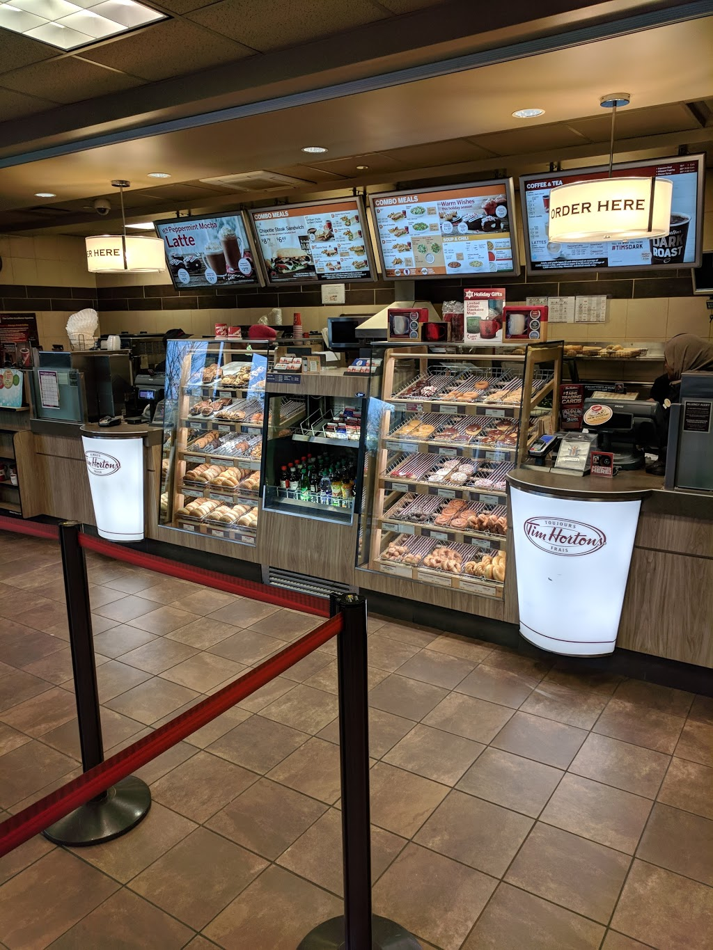 Tim Hortons | cafe | 1125 Colonel By Dr, Ottawa, ON K1S 5B6, Canada | 6135205635 OR +1 613-520-5635