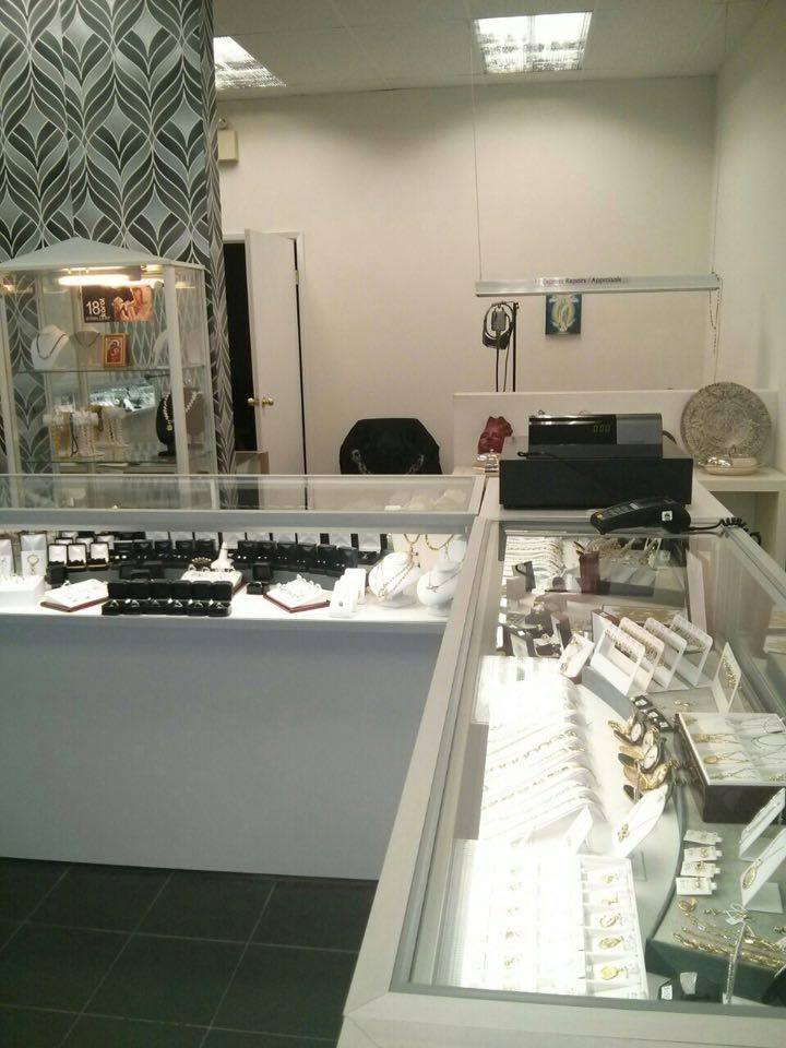 18 Karat Jewellery   jewelry store   3355 Hurontario St, Mississauga, ON L5A 4E7, Canada   9058233330 OR +1 905-823-3330