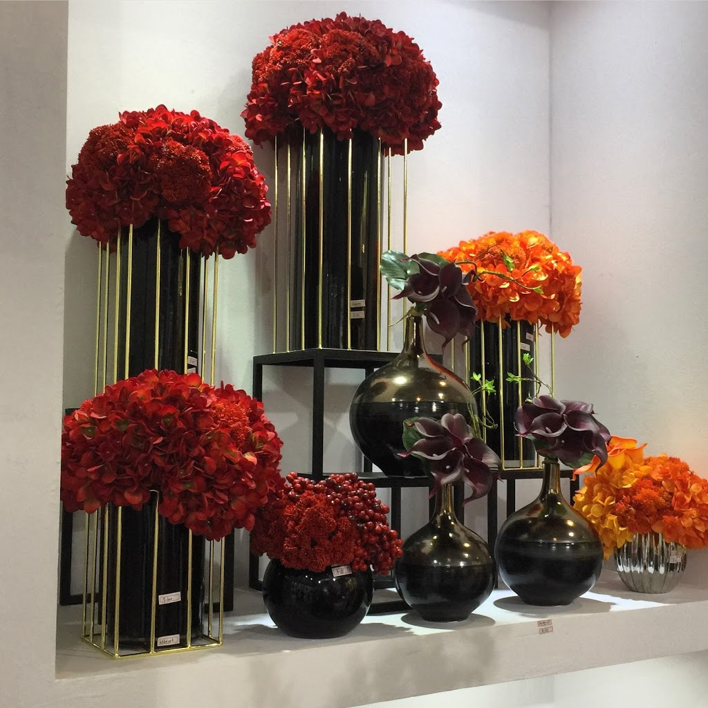 Wedding Decor Mall | store | 1229 Lorimar Dr, Mississauga, ON L5S 1R2, Canada | 6479462641 OR +1 647-946-2641