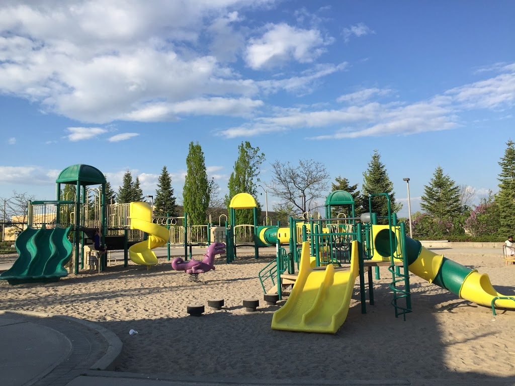 Headwaters Community Park | park | 235 Redstone Rd, Richmond Hill, ON L4S 2H1, Canada