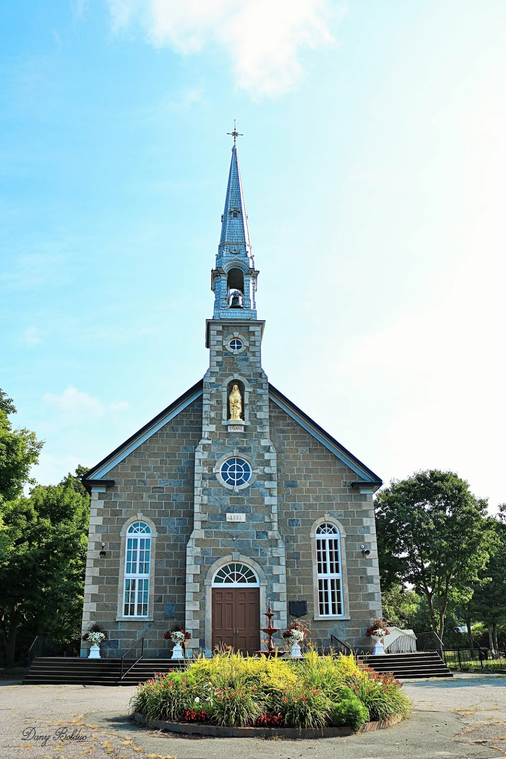 Chapelle catholique Sainte-Anne | church | 750 Rue Notre Dame N, Sainte-Marie, QC G6E 2K9, Canada | 4183875467 OR +1 418-387-5467