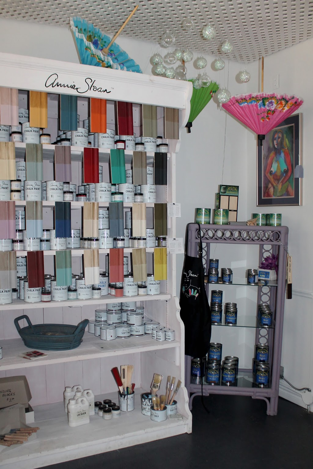 Painted Treasures | home goods store | 302 Davis St, Sarnia, ON N7T 1B7, Canada | 5194915200 OR +1 519-491-5200