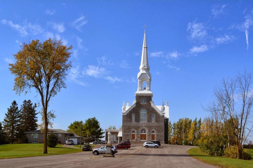 Paroisse Saint-Hugues | church | 3464 Sarsfield Rd, Sarsfield, ON K0A 3E0, Canada | 6138352575 OR +1 613-835-2575