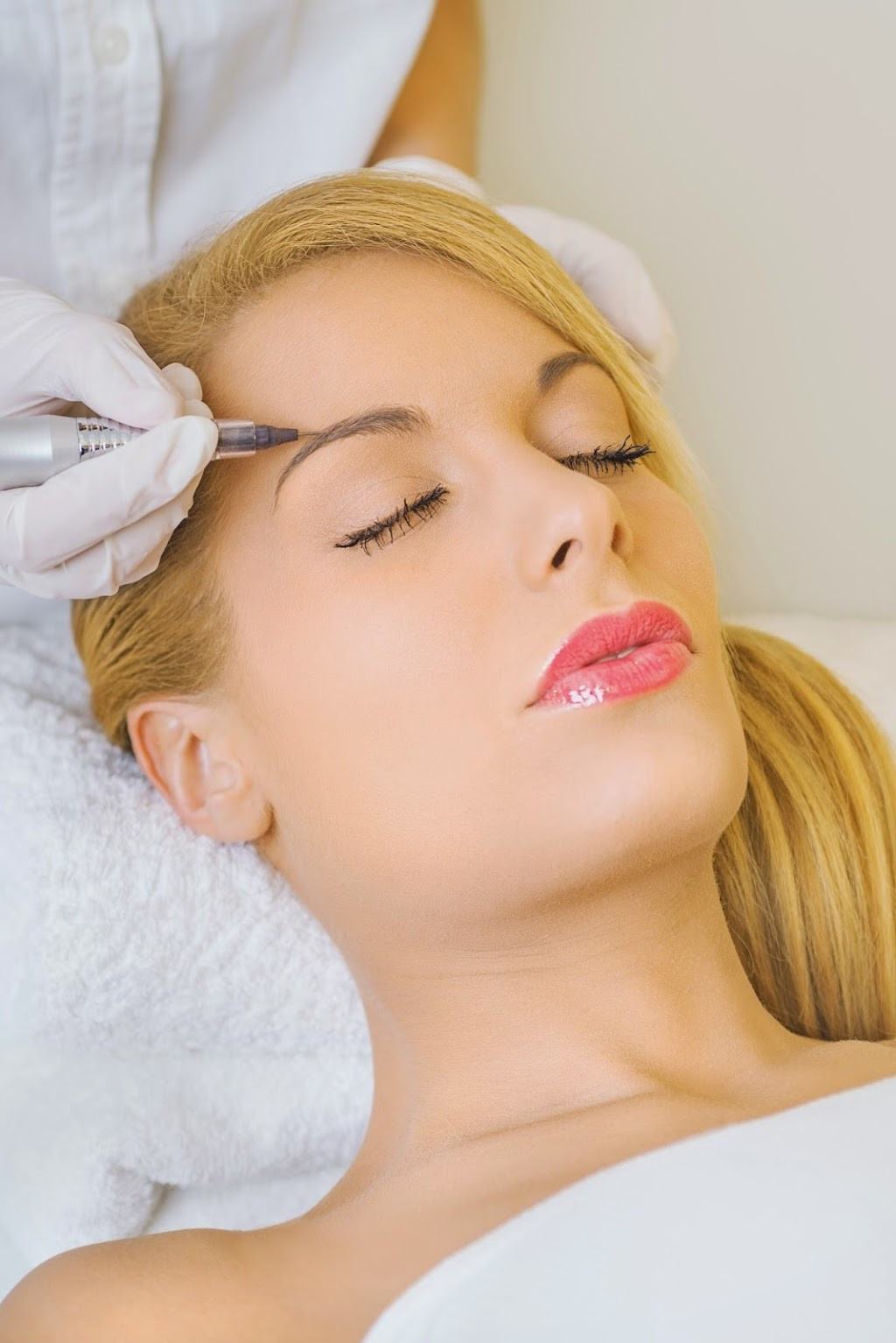 Divine Secrets Beauty Clinic   health   3 Capps Dr, Barrie, ON L4N 0G9, Canada   6476381401 OR +1 647-638-1401