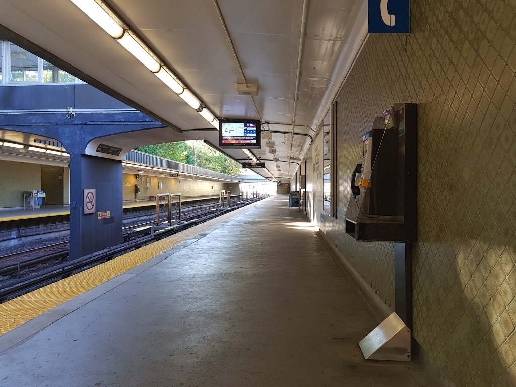 Rosedale   subway station   Toronto, ON M4W, Canada