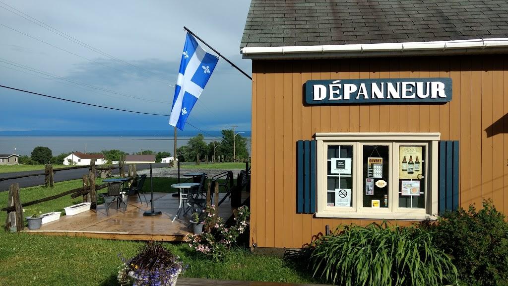 Dépanneur Du Quai | store | 3523 Chemin Royal, Saint-François-de-lÎle-dOrléans, QC G0A 3S0, Canada | 4182030833 OR +1 418-203-0833