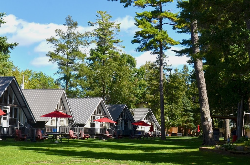 Balsam Resort | lodging | 21 Lila St, Fenelon Falls, ON K0M 1N0, Canada | 7058875040 OR +1 705-887-5040