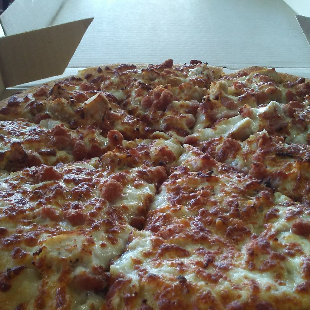 Pizza Hut | meal delivery | 1949 Finch Ave W, North York, ON M3N 2V3, Canada | 4167494313 OR +1 416-749-4313