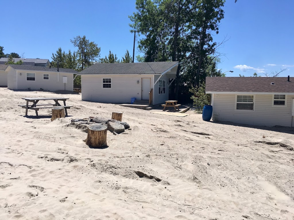 Sandpiper Beach Resort | point of interest | 8 Sandpiper Ln, Wasaga Beach, ON L9Z 2J9, Canada | 4165661704 OR +1 416-566-1704