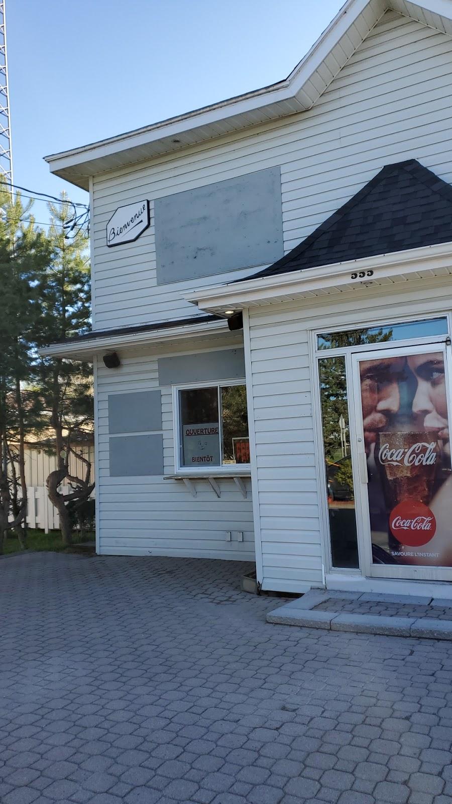 Casse-croûte St-Caz | restaurant | Saint-Casimir, QC G0A 3L0, Canada | 4183393071 OR +1 418-339-3071