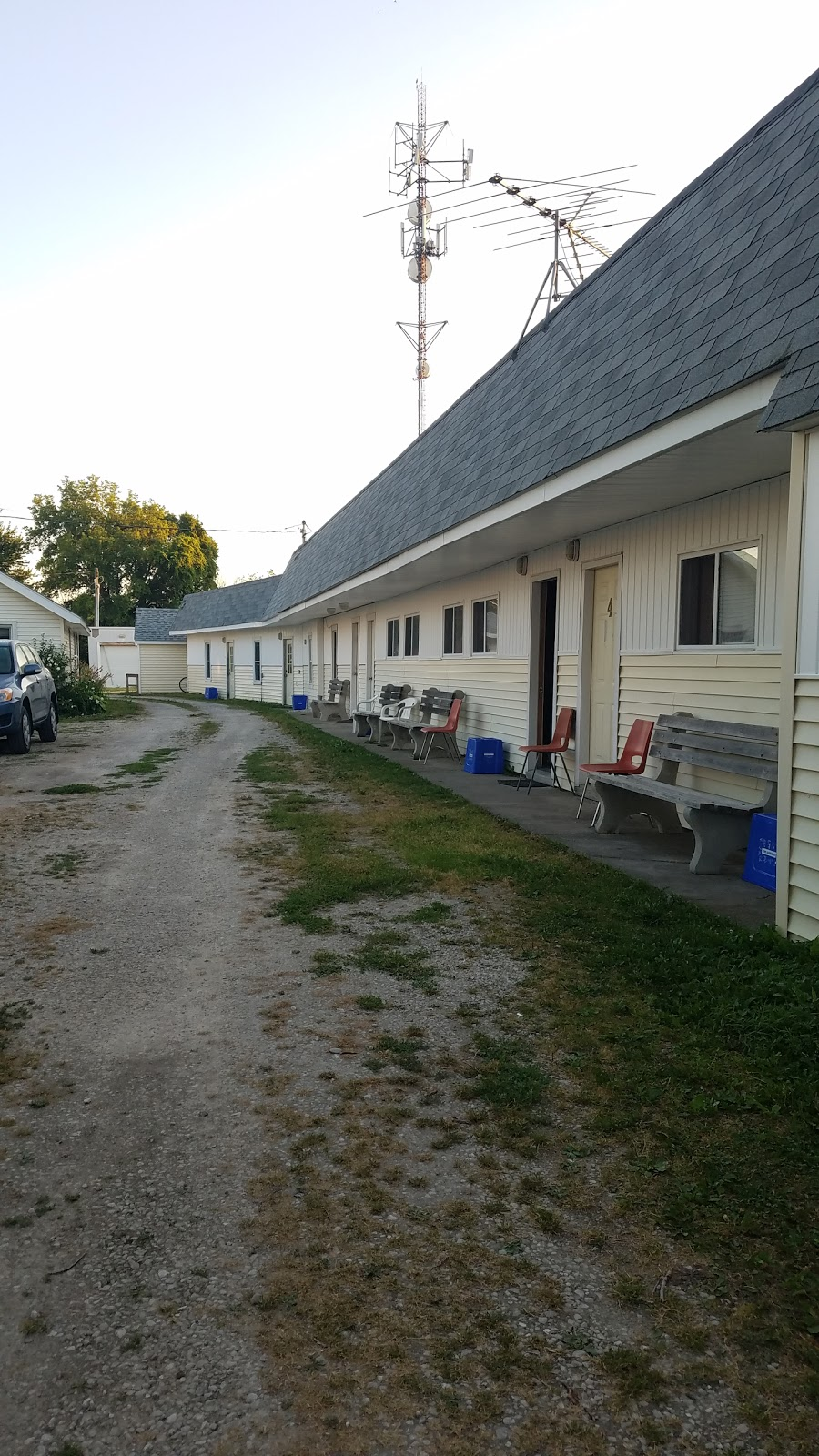 Westview Motel & Cottages | lodging | 1075 W Shore Rd, Pelee Island, ON N0R 1M0, Canada | 5197242072 OR +1 519-724-2072