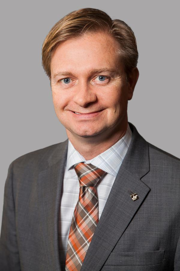 Edward Jones - Financial Advisor: George Paolucci | point of interest | 82 Main St, Erin, ON N0B 1T0, Canada | 5198339069 OR +1 519-833-9069