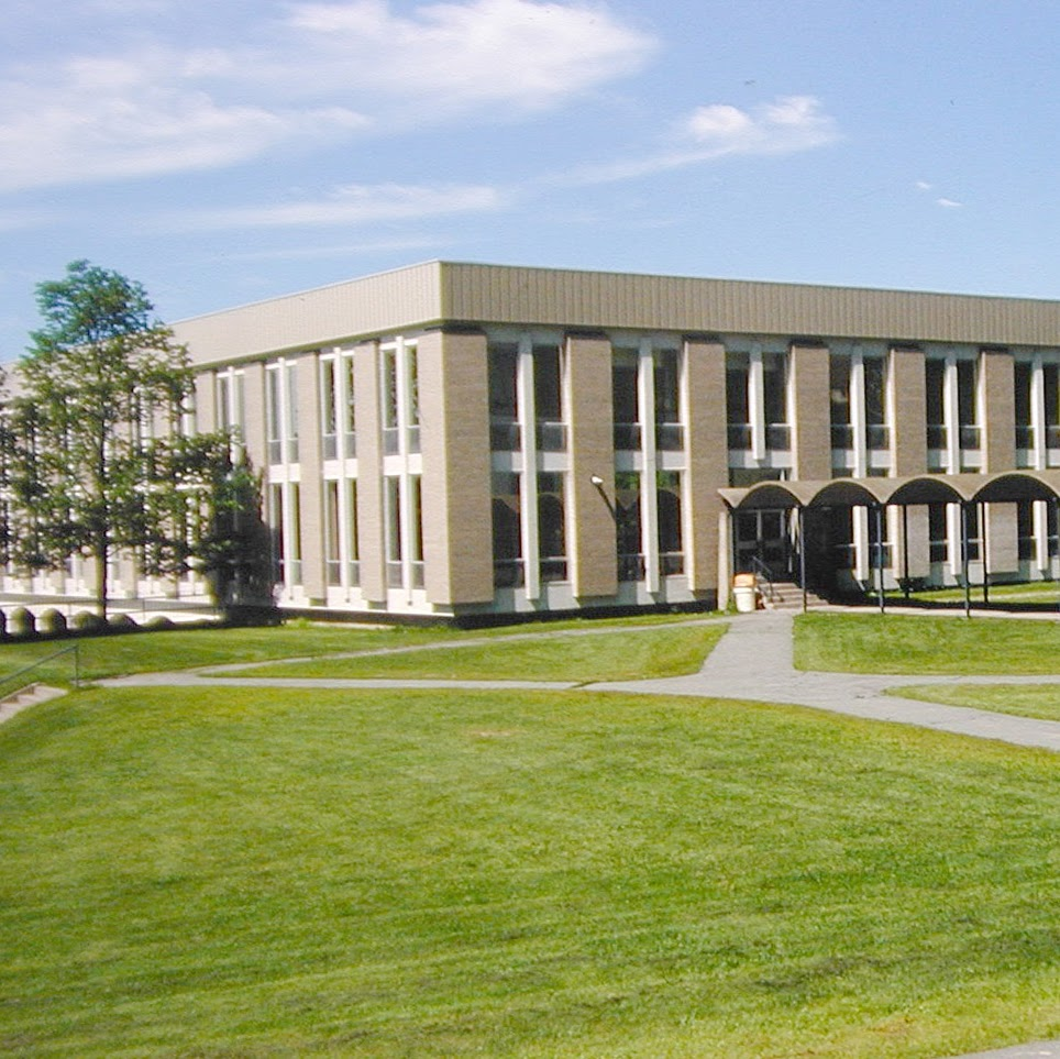 Cégep De Sherbrooke - Pavillon 3 | school | 200 Rue Terrill, Sherbrooke, Sherbrooke, QC J1E 3B1, Canada | 8195636350 OR +1 819-563-6350