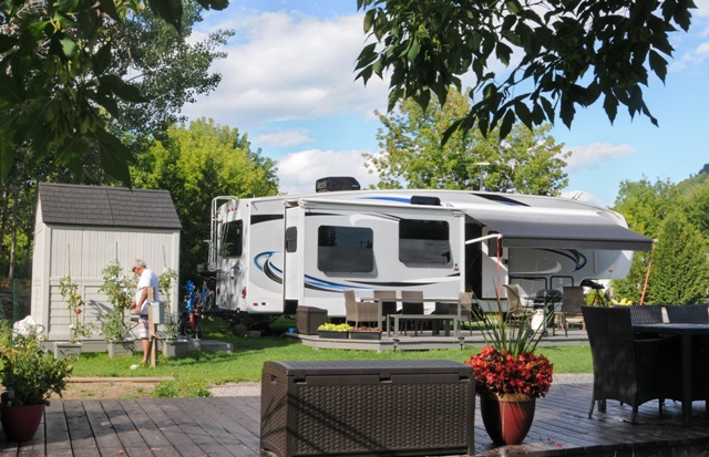 Camping Chasm | campground | 439 Chemin St Laurent, Baie-Saint-Paul, QC G3Z 2L6, Canada | 4184352143 OR +1 418-435-2143