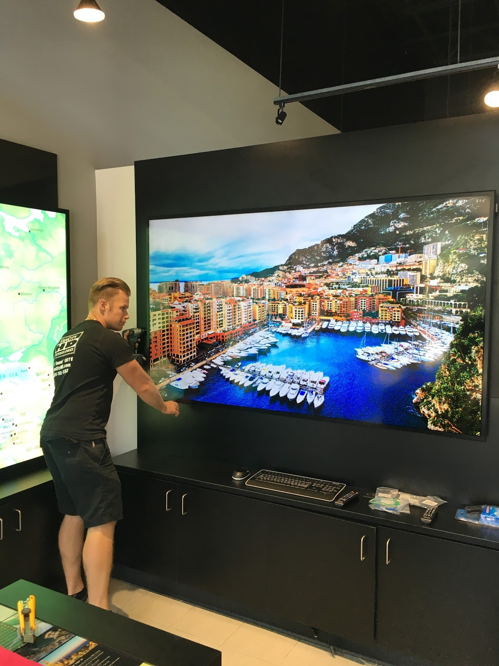 VanCity HD-TV Mounting Vancouver   electronics store   1288 W Cordova St, Vancouver, BC V6C 3R3, Canada   6047605183 OR +1 604-760-5183