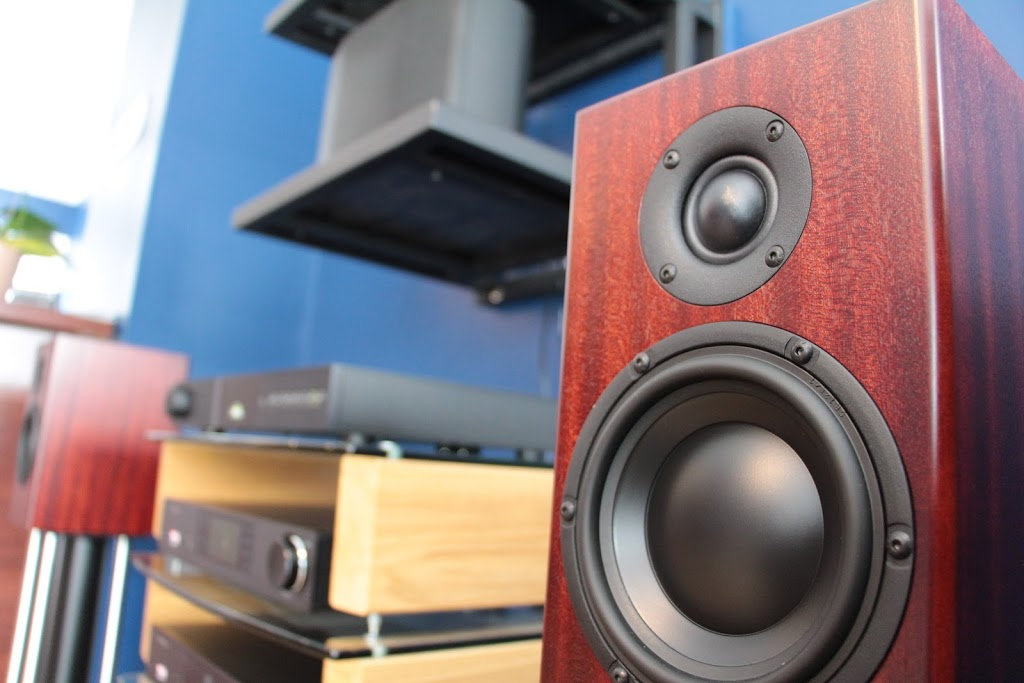 Simcoe Sound | electronics store | 13 Clapperton St, Barrie, ON L4M 3E4, Canada | 7057250584 OR +1 705-725-0584