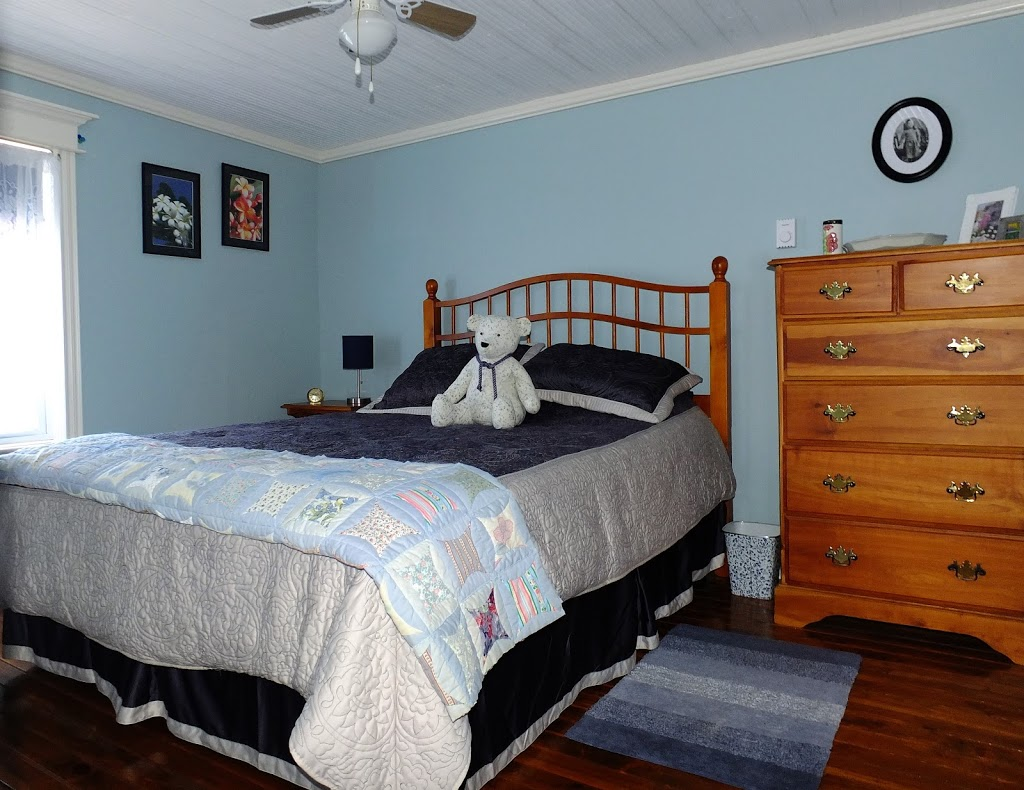 SeaGlass B&B and Studio | lodging | 18 Harbour Rd Box 118, New Perlican, NL A0B 2S0, Canada | 7095832640 OR +1 709-583-2640
