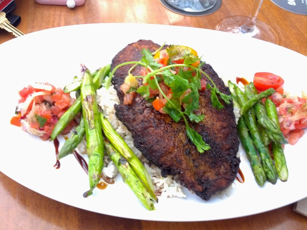 JOEY Polo Park | restaurant | 635 St James St, Winnipeg, MB R3G 3R4, Canada | 2043395639 OR +1 204-339-5639