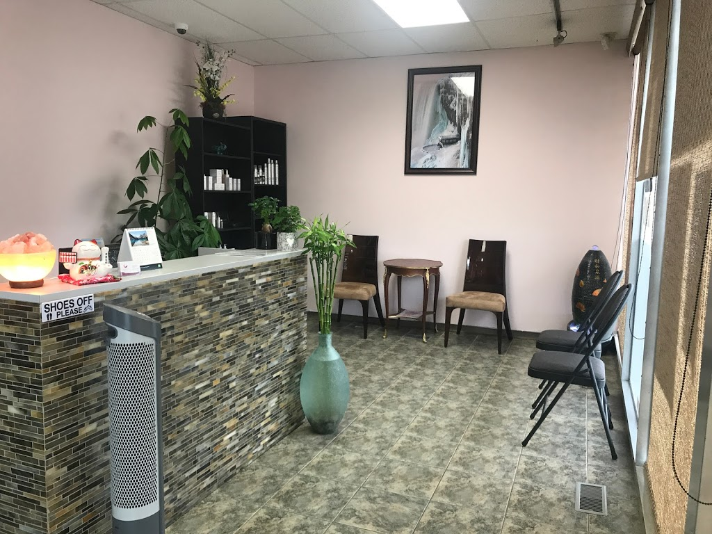 Fabulous Beauty Station   hair care   12425 97 St NW, Edmonton, AB T5G 1Z6, Canada   7804741828 OR +1 780-474-1828