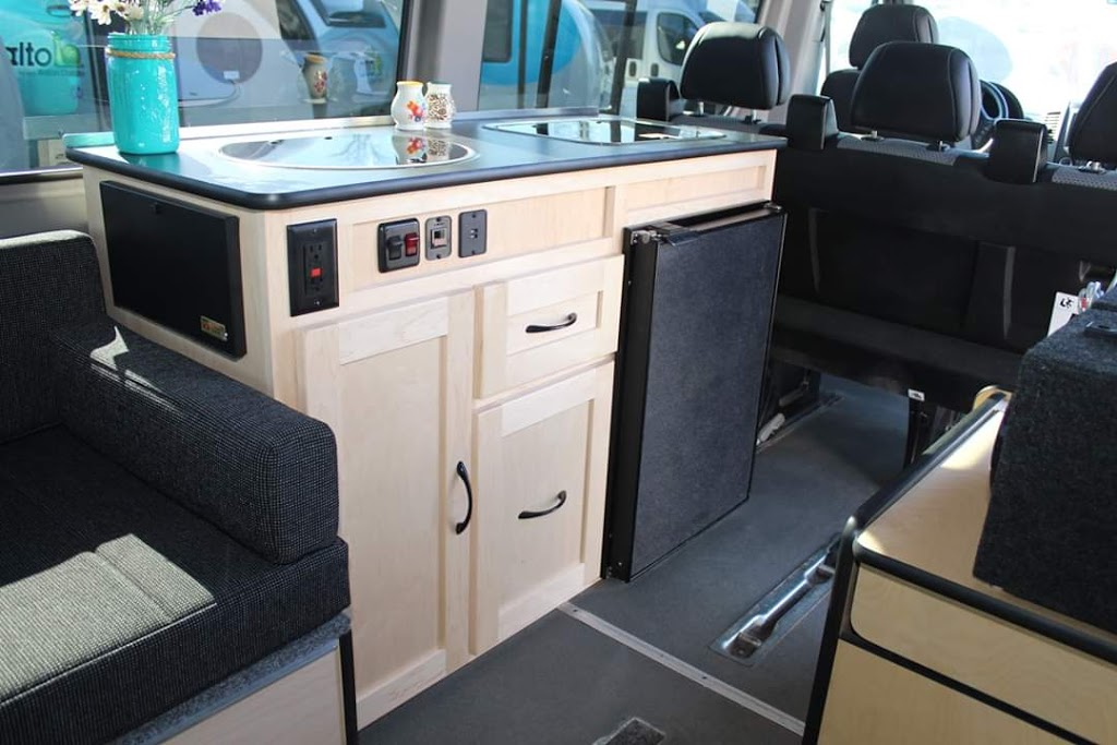 Get-Away RV Centre | car dealer | 33743 King Rd, Abbotsford, BC V2S 7M9, Canada | 6048532229 OR +1 604-853-2229