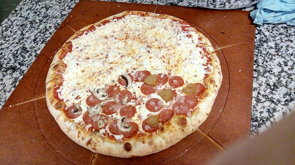 Pizza Pizza | meal delivery | 395 Wellington Rd, London, ON N6C 4P9, Canada | 5196671111 OR +1 519-667-1111