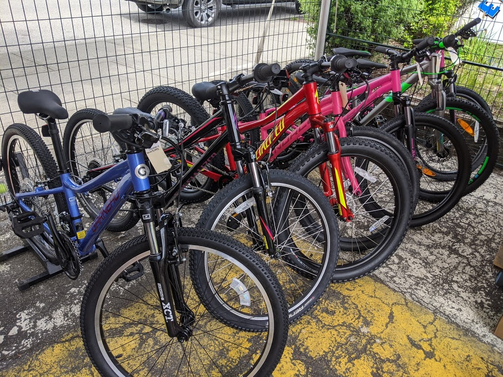 Caps Bicycle Shop   bicycle store   434A E Columbia St, New Westminster, BC V3L 3W9, Canada   6045243611 OR +1 604-524-3611