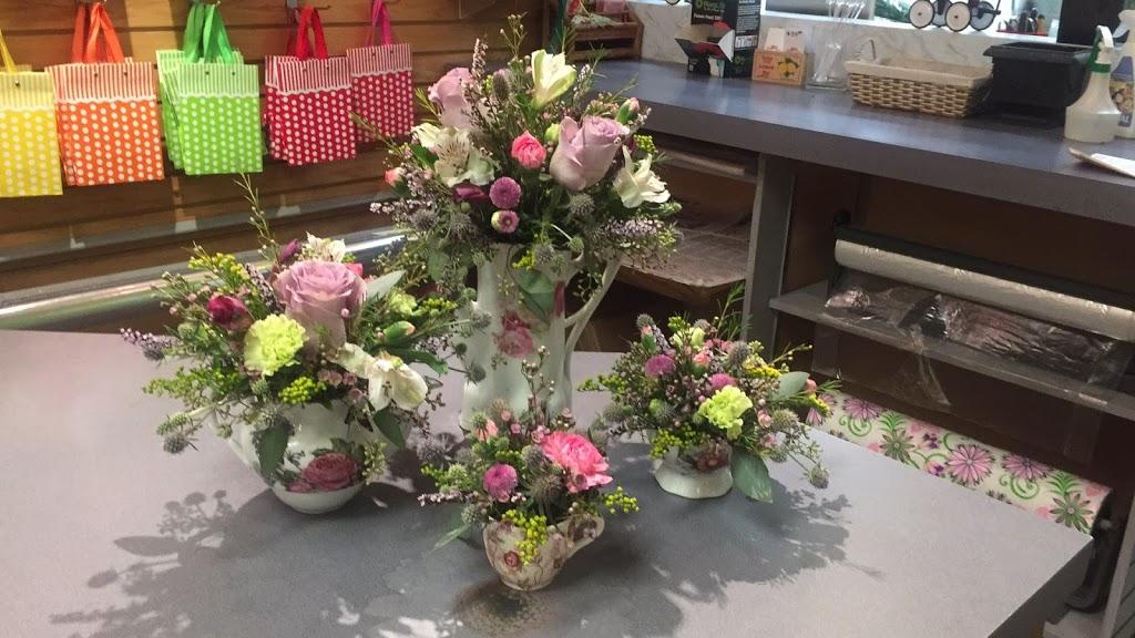 Pollies Flowers | florist | 10025 Jasper Ave #44, Edmonton, AB T5J 2B8, Canada | 7804242303 OR +1 780-424-2303