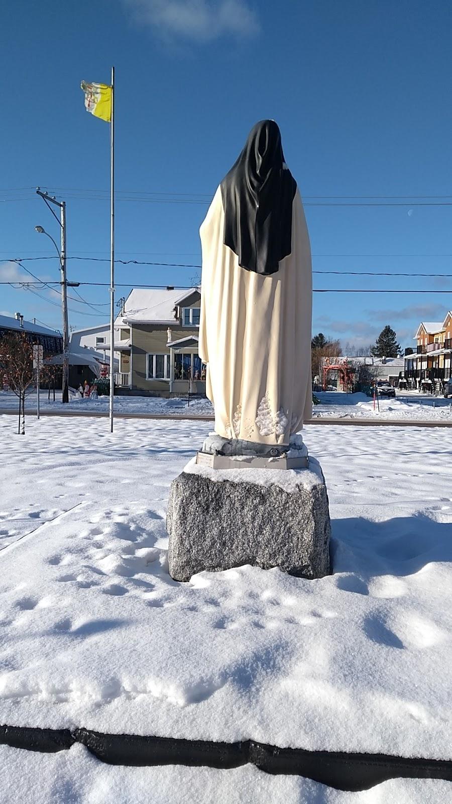 Presbytère Sainte-Thérèse-de-Lisieux | church | 158 Rue Bertrand, Québec, QC G1B 1H7, Canada | 4186634011 OR +1 418-663-4011