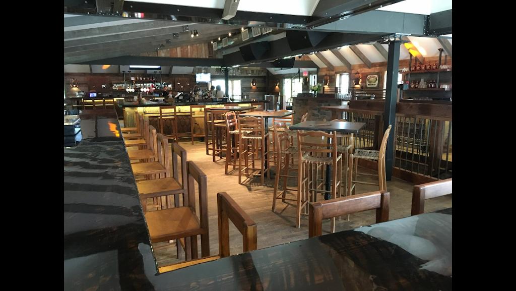 Le Ptit Caribou | restaurant | 125 Chemin de Kandahar, Mont-Tremblant, QC J8E 1E2, Canada | 8196814500 OR +1 819-681-4500