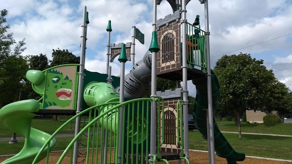 Petit-Village Park | park | 2900 Boulevard du Loiret, Québec, QC G1C 3X3, Canada | 4186416045 OR +1 418-641-6045